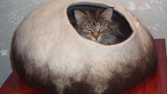 Валяем домик для кошки